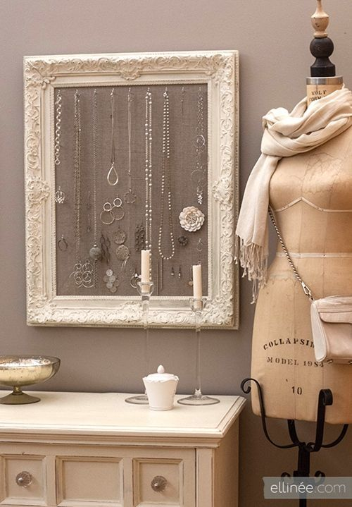 Ideas para hacer un colgador de collares de pared decorando 5