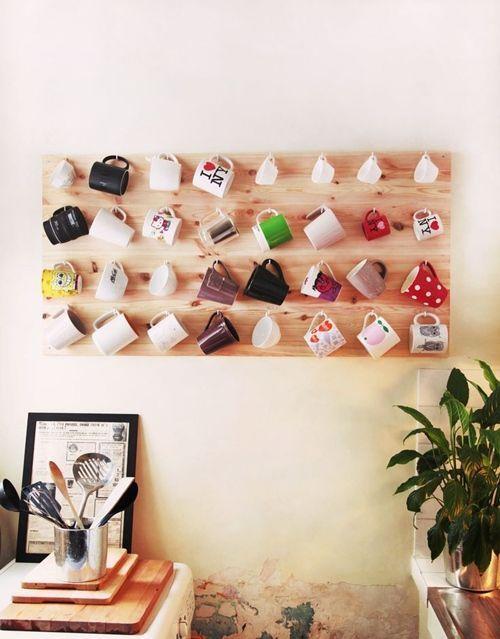 Ideas de decoración para colgar tazas mug en la cocina | Decomanitas