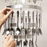 Cómo hacer una lámpara de techo con cubiertos para decorar tu cocina 4