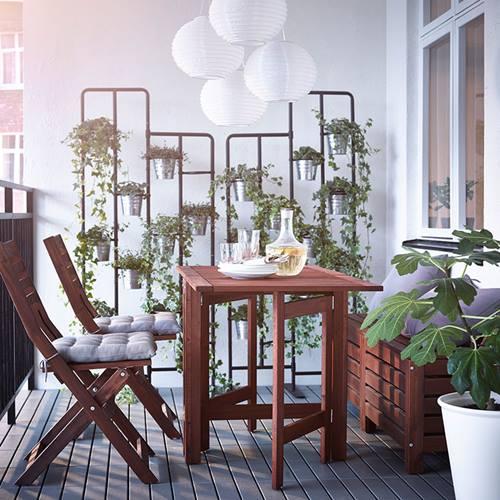 Muebles de terraza para espacios peque os by ikea - Ikea mesas exterior ...