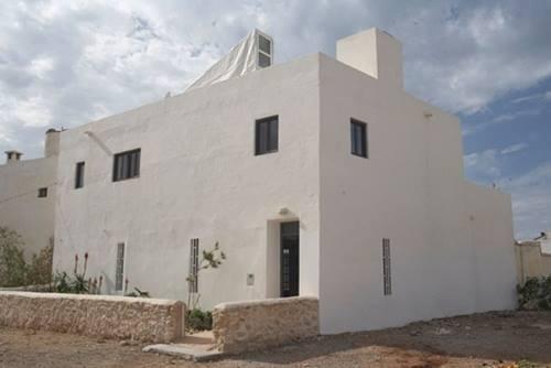 Una casa rústica de estilo marroquí con decoración retro 3