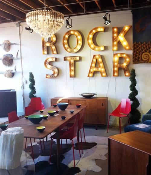 Decoración vintage con rótulos luminosos para la casa 1