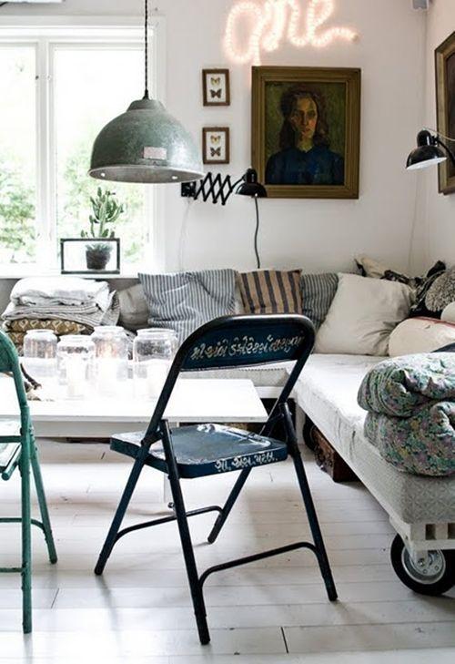 Decoracion vintage con rotulos luminosos para la casa 13