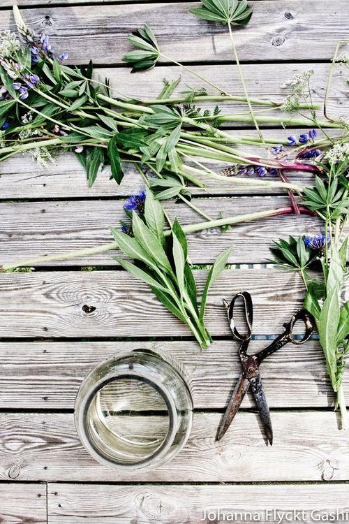 Jarrones con flores para decoracion de interiores 3