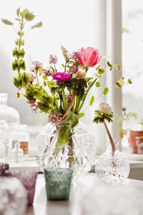 Jarrones con flores para decoracin de interiores  Decomanitas