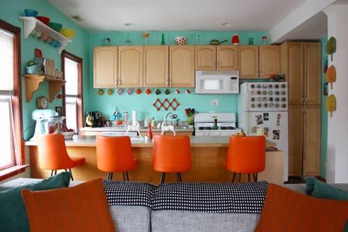 Una casa con decoración retro llena de detalles sorprendentes 1