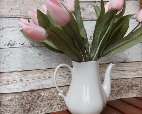 divertida idea de teteras con plantas para decoracion vintage 3