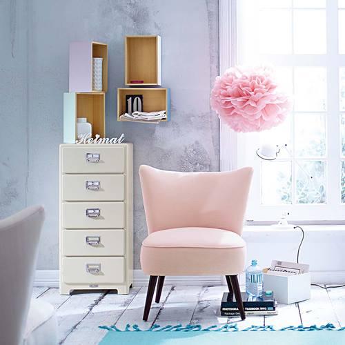 Estanterías decorativas con aire vintage chic 12