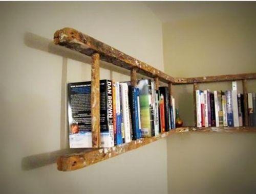 Decoración reciclada: estanterías de pared con escaleras de madera ...