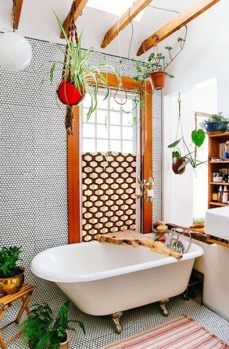 baños vintage con bañeras con patas de estilo clásico