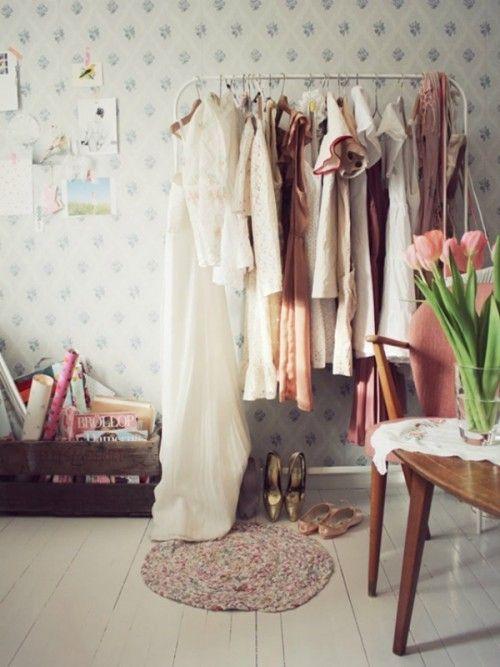 Burros para ropa los percheros a la vista 'rompen' en decoración... 3