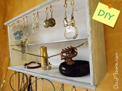 Reciclar cajas de madera de vino para organizar collares y pendientes 25c