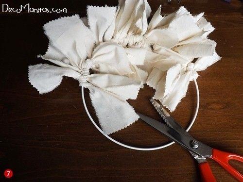Manualidades navideñas cómo hacer una corona de Adviento DIY 5