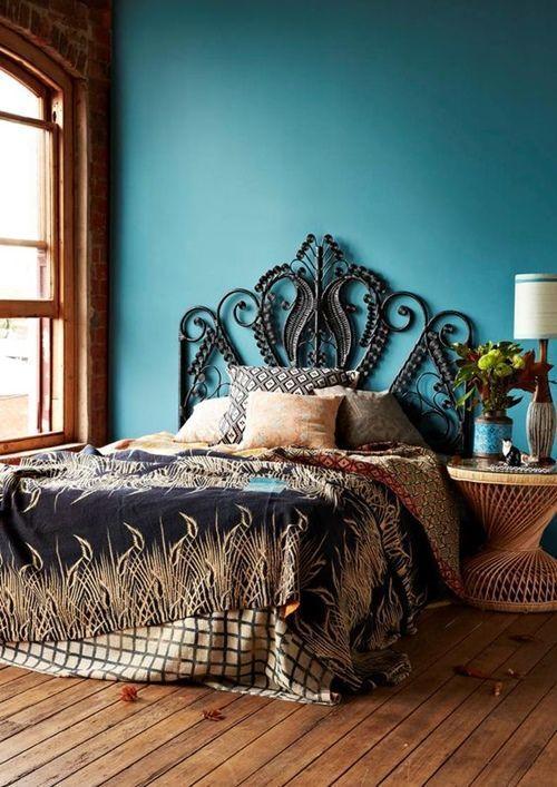 decoracion-de-habitaciones-con-cabeceros-y-sillas-peacock-2