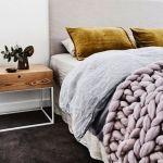 Cómo vestir una cama para hacerla protagonista del dormitorio