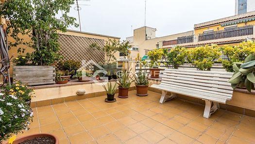 las plantas de exterior son un imprescindible en las terrazas de los ticos - Decoracion De Terrazas De Aticos