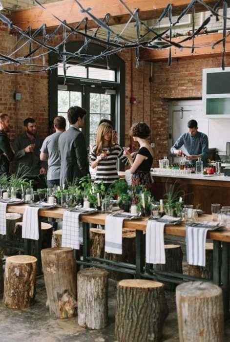 Mesas de comedor para reuniones informales de amigos en Navidad.