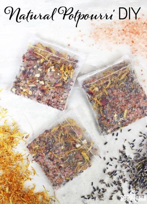 Manualidades con bolsas de organza: un pupurrí aromático natural