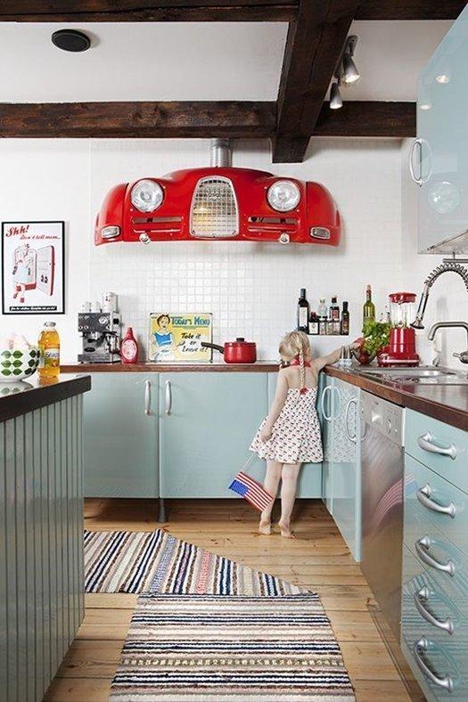 Hay campanas extractoras de cocina extraordinarias como esta de diseño retro.
