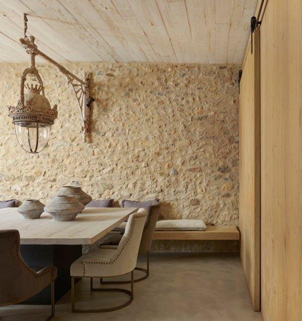Encanto, simplilcidad, sobriedad y calidez: todo unido en este ambiente de decoración rústica.