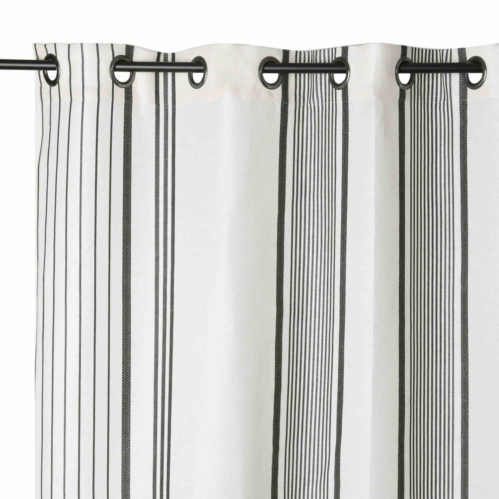 rideau gris et blanc