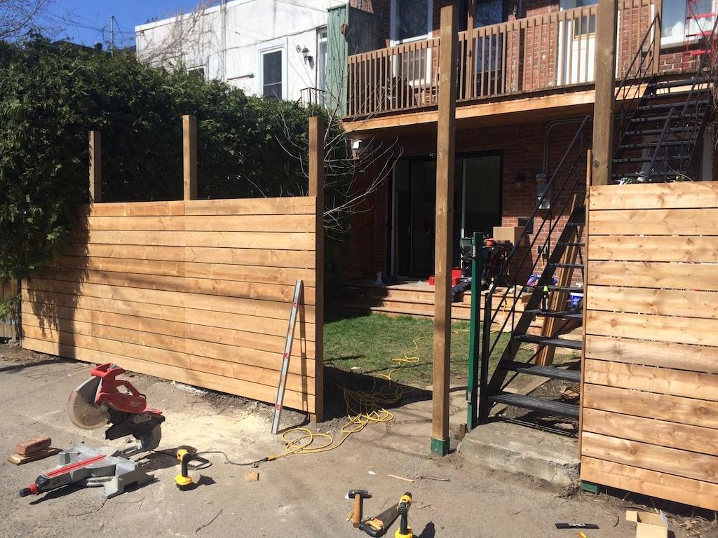 https www deconome com 2017 05 30 comment on a construit notre cloture en bois horizontale