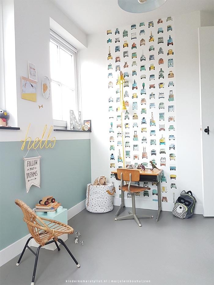 Una habitacin infantil relajante en menta y blanco