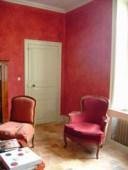 Salon rouge - enduit décoratif fait maison