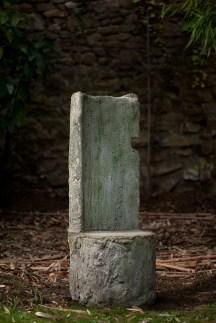 Une chais- tronc