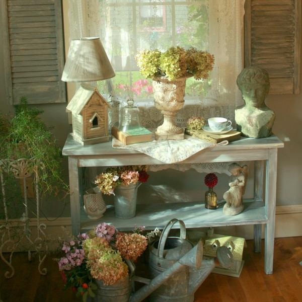 Shabby Chic Decorating Ideas Inspired By Beautiful Flowers And