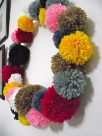 30 Christmas Decorating Ideas with Pompoms, Simple and ...