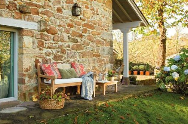 Cottage Style Decor and Outdoor Home Decorating Ideas