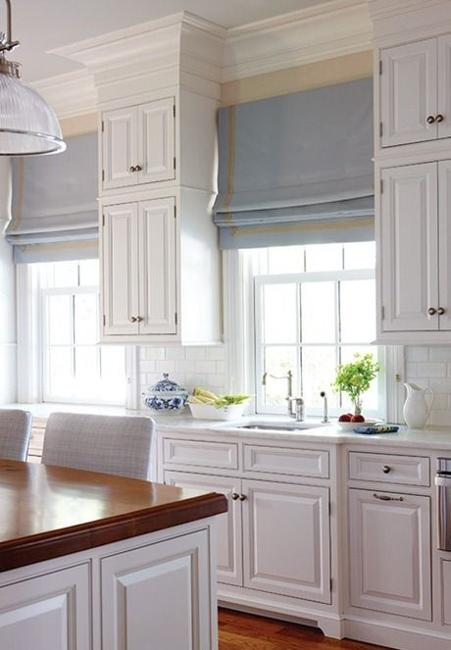 20 Beautiful Window Treatment Ideas for Kitchen and Bathroom Decorating Roman Shades