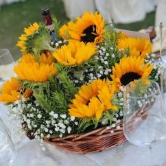 Country Kitchen Decorations German Cabinets 30 Sunflowers Table Centerpieces Adding Sunny Yellow Color ...