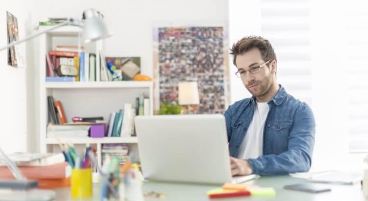 Como montar um home office com pouco dinheiro-min