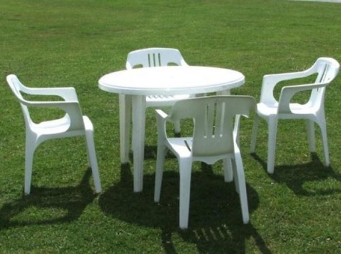 Mesas y sillas de plastico de jard n for Mesa y sillas plastico jardin