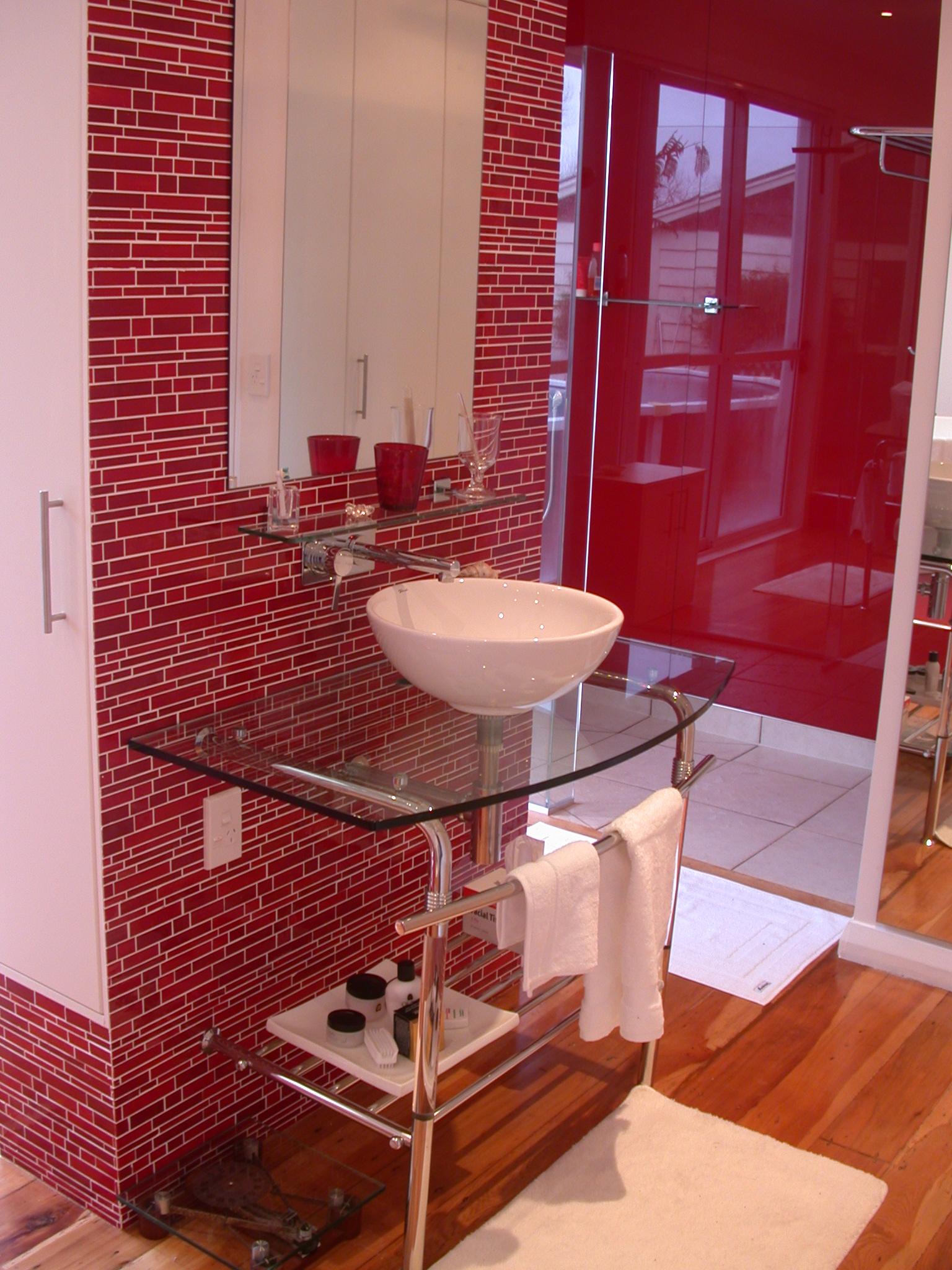Ambientes modernos decorados en rojo  Decoracion de