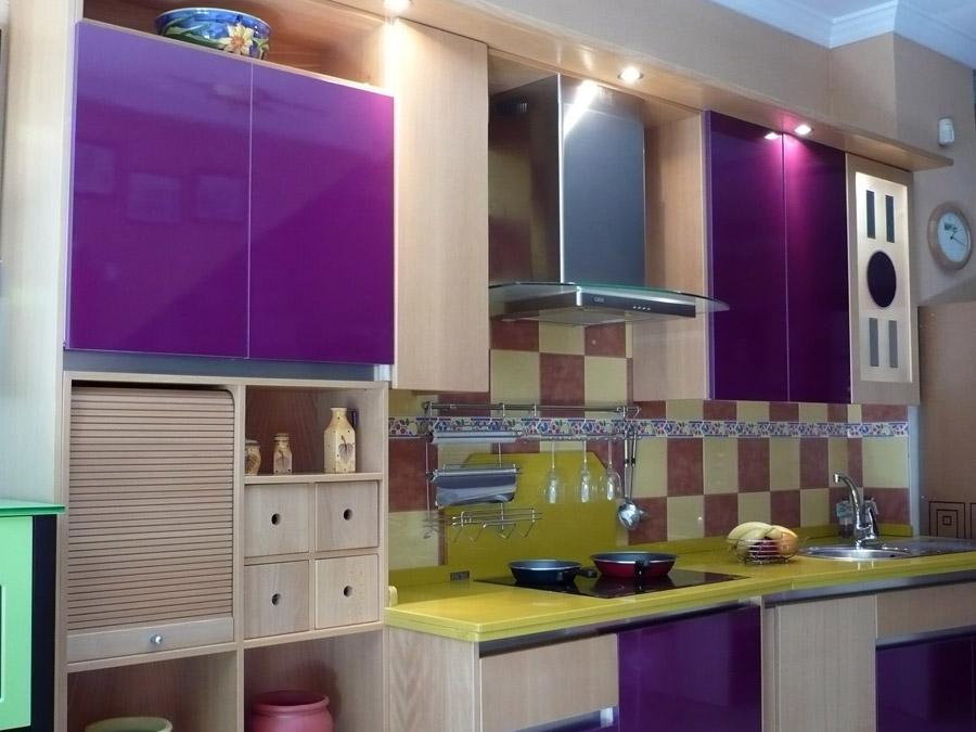 Interiores decorados en color violeta  Decoracion de