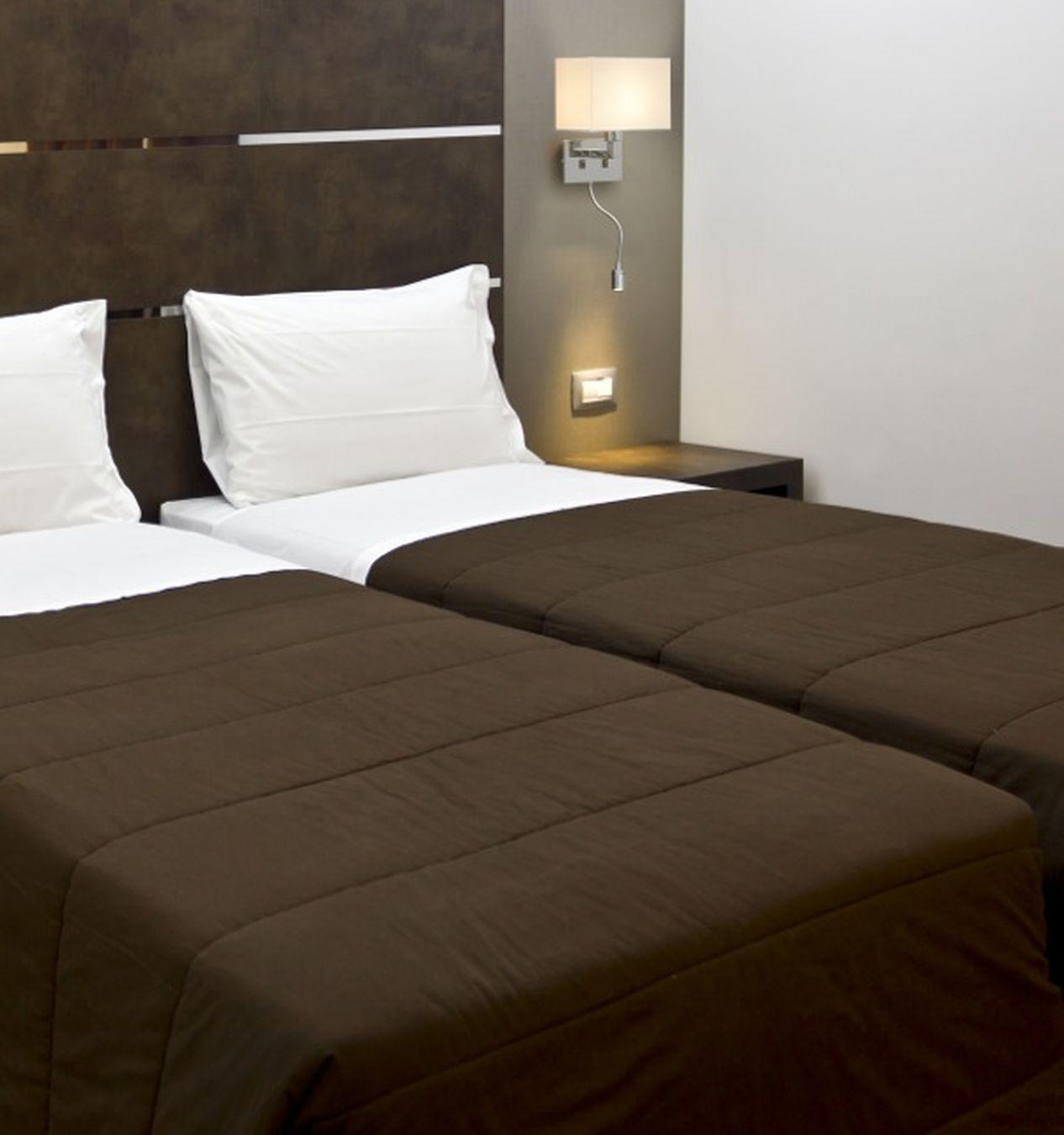 Iluminacin de habitaciones de hoteles Las lmparas para mesita de noche  Blog de Iluminacin