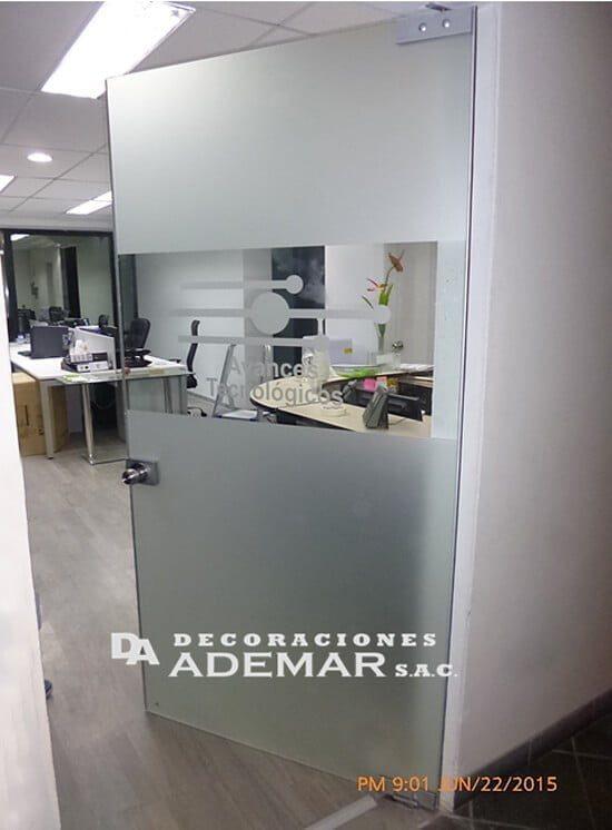 Mamparas de vidrio templado o laminado mamparas de for Puertas de aluminio a medida precios