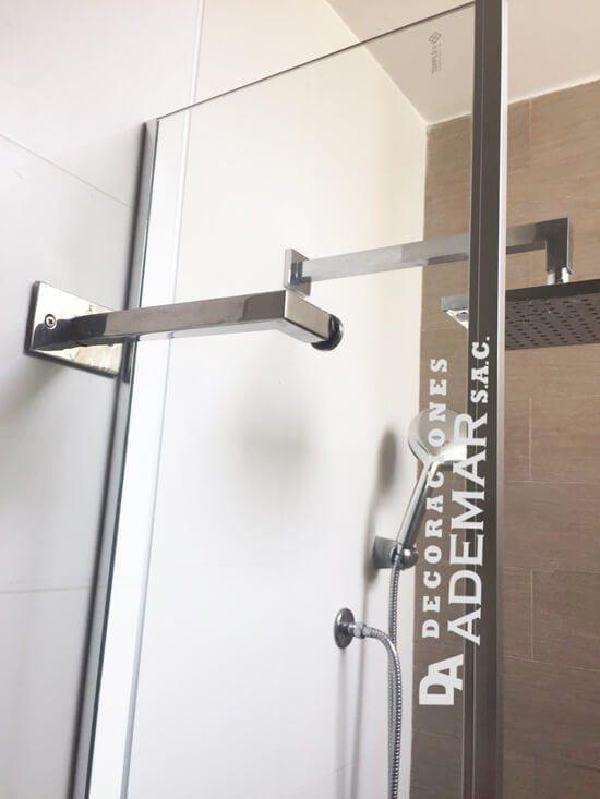 Puertas de duchas en vidrio templado mamparas para duchas for Mamparas de ducha modernas