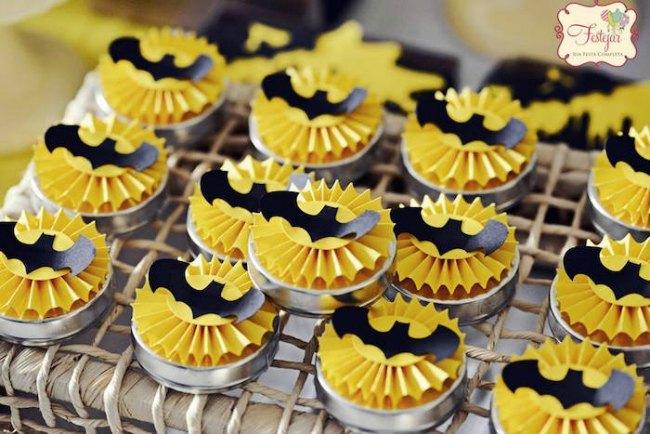 Decoracin de cumpleaos Batman en negro y amarillo