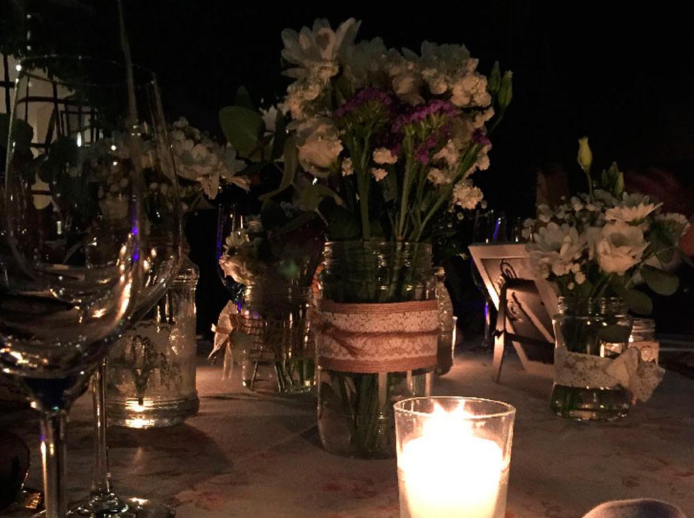 mesa-boda-flores-silvestres