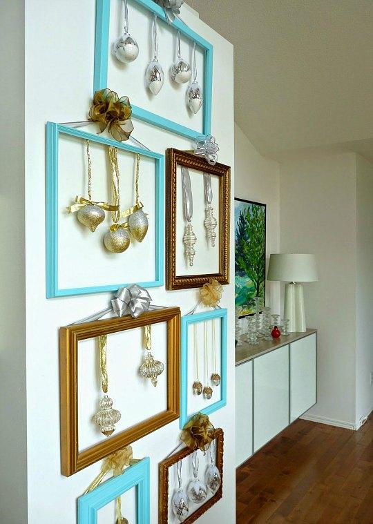 rbol de Navidad de pared realizado con marcos