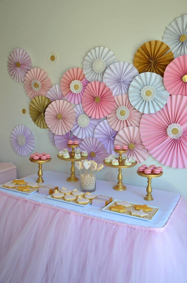 Decorar con rosetones de papel