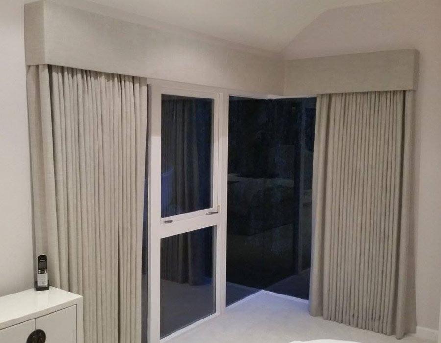 Pelmet-&-Curtains