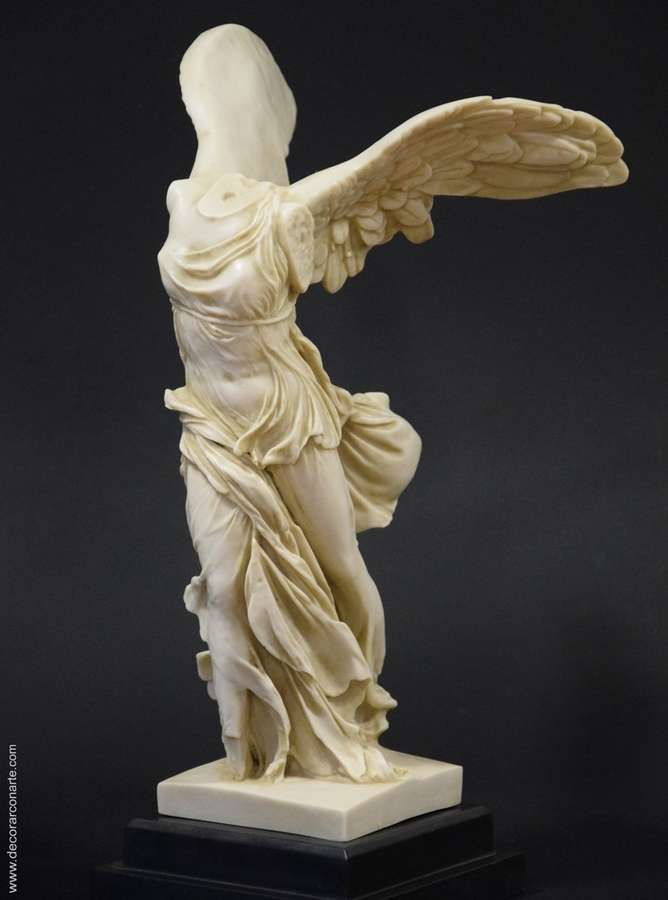 Estatua Victoria de Samotracia 37cm  Venta de figuras