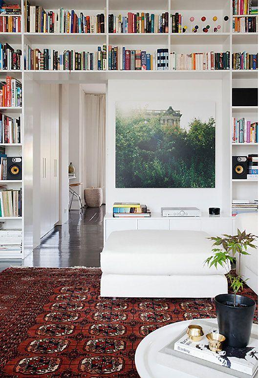 Librería en blanco