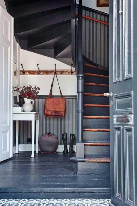 ¿Cómo aprovechar el hueco de la escalera?