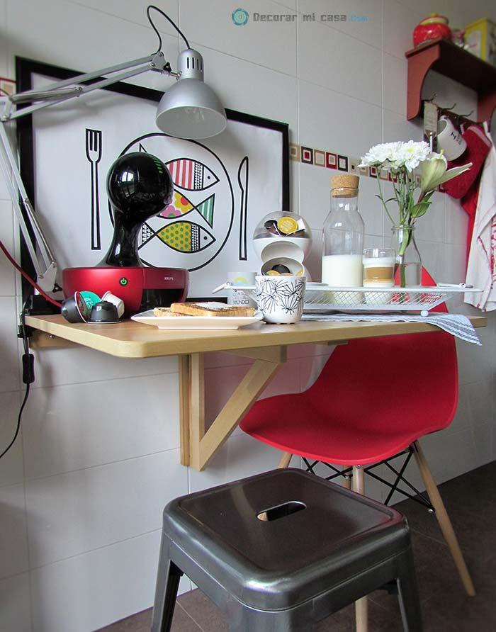 Cocina decorada en rojo y negro